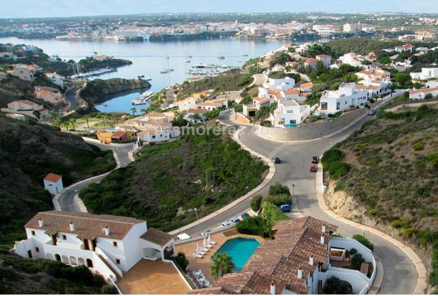 1006 m² plot size, building land, sea view.