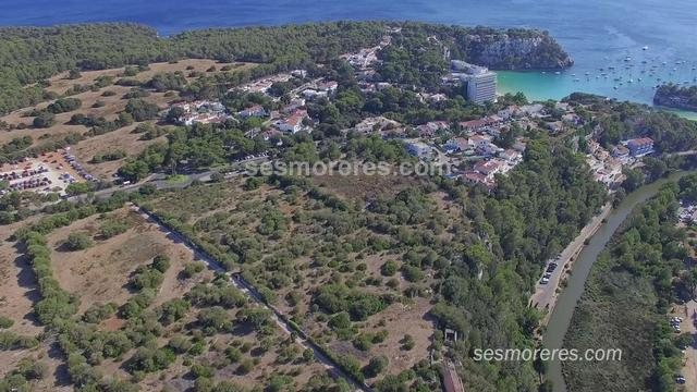 A group of 17 building plots (26,000 m²) in the prestigious urbanization of Cala Galdana-Menorca.