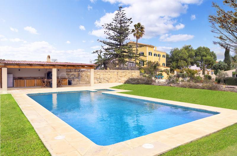 Country Estate in Es Castell