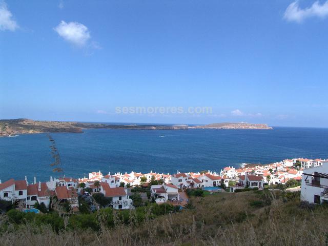 12.840,75 m² de solar dividido en 16 parcelas con estupendas vistas al mar.