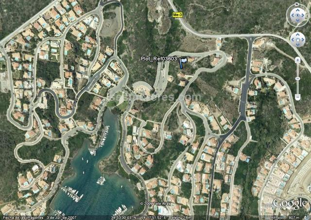 Plot for sale in Cala Llonga, Menorca. Zise plot 770 m².  Plot with building permission and plans drawn for a 3 bedroom villa with pool and garage. The plans are for 150m2 build but can build up to approx 240m2.
